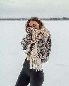 Best casual chic winter outfits for women fashion styles fashionplace info casual winter women floral print ruffle sleeve chiffon blouse Stylish Winter Outfits, Winter Outfits Women, Winter Outfits For Teen Girls Cold, Winter Snow Outfits, Casual Outfits, Teen Outfits, Outfit Winter, Style Désinvolte Chic, Mode Style
