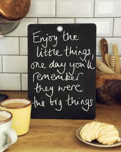 Enjoy the little things, one day you'll remember they were the big things Types Of Lettering, Do Your Best, One Day, Kind Words, Discover Yourself, Little Things, Life Lessons, Chalkboard, Inspirational Quotes