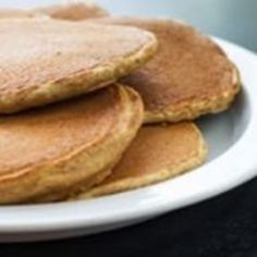 Do you love pancakes, but want a healthier pancake recipe? We've rounded up a variety of healthy and delicious pancake recipes for you to try. Healthy Holiday Recipes, Great Recipes, Favorite Recipes, Holiday Foods, I Love Food, Good Food, Yummy Food, Breakfast Recipes, Pancake Recipes