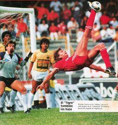 ricardo tigre gareca Grande, Soccer, Entertainment, Baseball Cards, Retro, Sports, Football, Football Pics, South America
