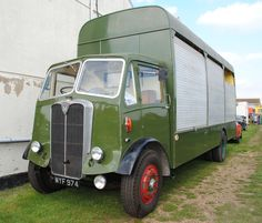 Maudslay fromer GPO maintainance lorry