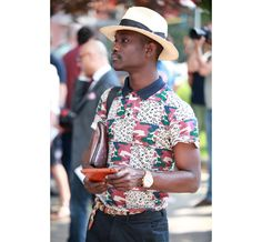 Street Looks à la Fashion Week homme printemps-été 2014 de Milan, Jour 1 http://www.vogue.fr/vogue-hommes/mode/diaporama/street-looks-a-la-fashion-week-homme-printemps-ete-2014-de-milan-jour-1/14017/image/779145#!18