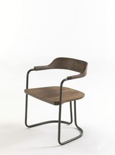 Contemporary chair / metal / solid wood / cantilever TUBULAR by Jamie Durie Riva Industria Mobili European Furniture, Vintage Furniture, Kitchen Chairs, Dining Chairs, Dining Room, Wood And Metal, Solid Wood, Metal Solid, Chair Design