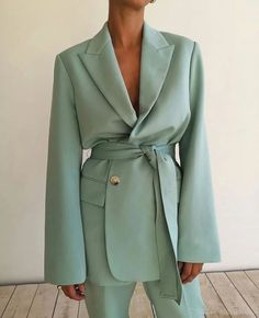Blazer Outfits Casual, Classy Outfits, Mode Outfits, Fashion Outfits, Fashion Trends, Fashion Tips, Abaya Fashion, Fashion Clothes, Look Fashion