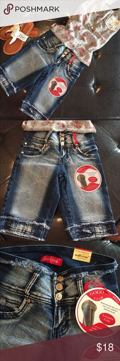 🛍BUTT LIFTING MID RISE BERMUDA SHORTS🛍 🛍BRAND NEW!! Sexy butt lifting mid rise dark wash denim bermuda shorts!! Designed specifically to give you a perfect defined shape!! If measurements are needed please comment 🛍 GOGO Shorts Bermudas