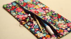 Make this cute zipper pouch using Craftsy's free class!