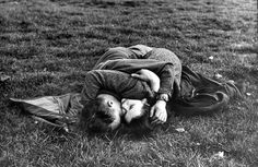 GI and his English girlfriend, Hyde Park in May 1944
