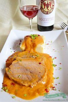 Pentru azi am pregatit Pulpa de porc in sos vanatoresc. Steak Recipes, Cooking Recipes, Good Food, Yummy Food, Romanian Food, I Want To Eat, Food To Make, Main Dishes, Foodies
