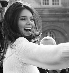 Just be happy and smile like Kendall Jenner Kendall Jenner Outfits, Kendall And Kylie, Kardashian Jenner, Kylie Jenner, School Tomorrow, Famous Girls, Attractive People, Celebrities, Face
