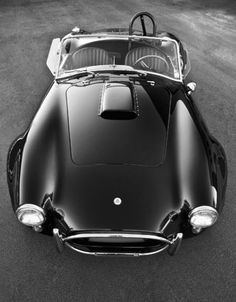 AC Cobra from a slightly different perspective... so very hot.