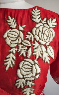 Handwork on drape blouse on www. Zardosi Embroidery, Hand Embroidery Dress, Kurti Embroidery Design, Embroidery Neck Designs, Hand Embroidery Videos, Bead Embroidery Patterns, Simple Embroidery, Hand Embroidery Stitches, Embroidery Fashion