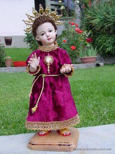 Adorable NIÑITO JESUS DE PRAGA DE 30 CMS. Talla completamente anatomizada (Arte - Escultura - Madera)