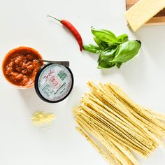 Angelo's Pasta's cracked pepper fettuccine with Angelo's Napoletana sauce is delicious, quick and easy to make with minimal mess! Feed your family with these simple ingredients.