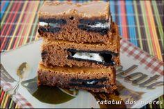 Brownies recheados c/ Oreo  http://ratatuidospobres.blogspot.pt/2014/01/brownies-recheados-c-oreo.html