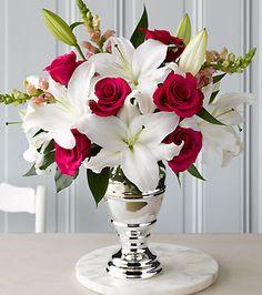 Ideas flowers bouquet gift floral arrangements valentines for 2019 Beautiful Flower Arrangements, Wedding Flower Arrangements, Floral Arrangements, Wedding Flowers, Wedding Bouquet, Amazing Flowers, Beautiful Roses, Beautiful Flowers, Elegant Flowers