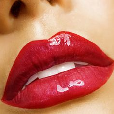 GET FULL LIPS NATURALLY: I wonder if this works?  I have always wanted full lips!