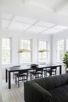 7 Kitchen Trends to Consider for your Next Renovations · Savvy Home Dining Area, Dining Chairs, Living Room Furniture Layout, Furniture Sets, Apartment Renovation, Dark Interiors, Room Cooler, Open Plan Living, Minimalist Home