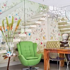 Love the #wallerpaper behind the #floating staircase !