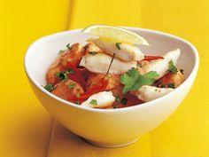 Rotes Bananencurry mit gebratenem Fisch