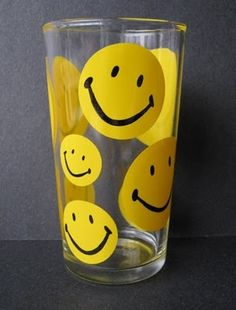 Vintage Smiley Face Glass Tumbler - Not a Repro Sara Smile, Smile Face, Make Me Smile, Love Smiley, Yellow Smiley Face, Smiley Smile, Feelin Groovy, Happy Hippie, Ol Days
