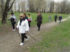 Od kwietnia do października dla białołęckich seniorów zorganizowano zajęcia promujące zdrowy tryb życia z wykorzystaniem popularnego marszu - Nordic walking. Zajęcia były dopasowane do stanu zdrowia oraz kondycji osób w nich uczestniczących. Odbywały się co tydzień w każdą środę. Koszt projektu 4 200,00 zł.