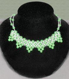 Free pattern for necklace Kaori