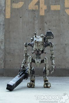 The craziest thing I've ever reviewed?, Threezero Strider. Titanfallwas one of the most hyped games for the new console generation, and may have been one of the most disappointing depending on ...
