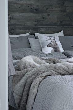 Cosy Bedroom, Dream Bedroom, Master Bedroom, Bedroom Decor, Western Rooms, Winter Cabin, Nordic Home, Kabine, Guest Bed