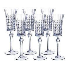 Taça Champagne Lady Diamond - 6 Peças.  Conjunto com seis taças para champagne fabricado em cristal diamax, símbolo de elegância e preciosidade francesa. Com design diferenciado, possui capacidade para 150ml, base circular, e desenhos em relevo com losangos em sua extensão.