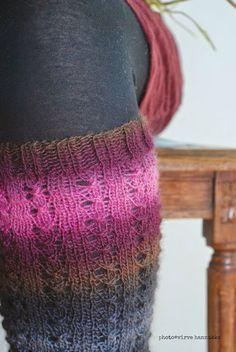 Villasukat matkalaukussa: Pitsisäärystimet & maaliskuu Leg Warmers, Fingerless Gloves, Socks, Knitting, Crochet, Handicraft Ideas, Fashion, Crocheting, Projects