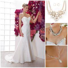 #Tip para Maty Corderrr Si eliges el modelo Daisy, su cuello en corazón te permite lucir un accesorio. ¿Cuál de estos collares es tu estilo?