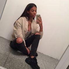 cocainecurls: first–class–life: instagram - cyrenaxoxo sheenajanae.tumblr.com