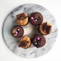 • Chocotorta y Puro Chocolate Cupcakes •  si... Una fana del chocolate  Pedidos y consultas  contacto@kekukis.com.ar #cupcakes #chocolate #chocotorta #kekukis #pastry