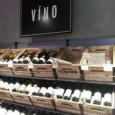 Bedýnky na víno ve vinotéce od SKYWANDER