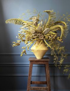 Buy Flowers Online Same Day Delivery Dried Cycad Leaves, Asparagus Fern, Banksia Hookeriana, And Persimmon Branches Yellow Diamond Vase From Oroboro, 380 Art Floral, Deco Floral, Floral Design, Asparagus Fern, Dried Flower Arrangements, Dried Flowers, Flowers Vase, Bouquet Flowers, Vase Arrangements