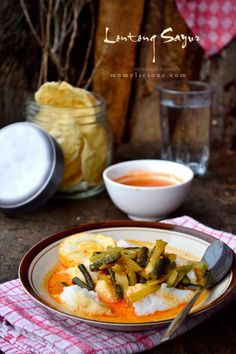 Food photography, cake, cookies and Indonesian food. Rustic Photography, Food Photography, Gado Gado, Indonesian Cuisine, Asian Recipes, Ethnic Recipes, Food Menu, Food Design, Vegetable Recipes