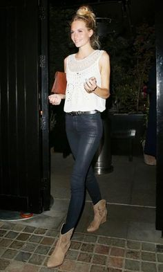 Look: Poppy Delevingne