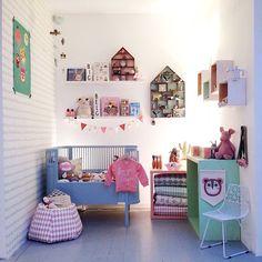 「 And we are back to the blue bed.  #sebra #fermliving #nobodinoz #ommdesign #designletters #luckyboysunday #minirodini #jellycat #minimocks #nooddoll… 」