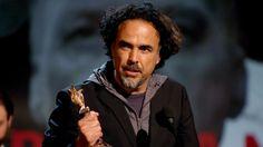 Los Independent Spirit Awards se parecen cada vez más a los Oscar: 'Birdman' gana Mejor Película , mientras que el premio a la dirección recae en 'Boyhood'. completo  Los premios del cine 'indie' se parecen cada vez más a los Oscar: 'Birdman' gana Mejor Película y Mejor Actor, mientras que el premio a la dirección recae en 'Boyhood'.  PorCinemanía- 22 de febrero de 2015  Un día antes de los Oscar, como manda la tradición, losIndependent Spirit Awards 2015han anunciado su palmarés…