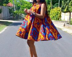 Take a look at these super stylish ankara styles for pregnant women and your wardrobe will never lack fashionable African print outfits. African Print Dresses, African Dresses For Women, African Wear, African Attire, African Fashion Dresses, African Women, African Prints, Ankara Fashion, African Style