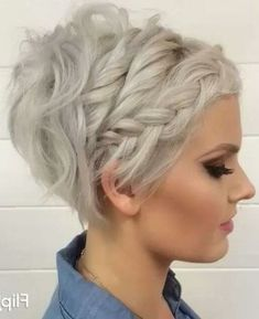 45 Best Short Hairstyles That You Simply Can't Miss, In the event that you've for a long while been itching to go short, may we simply state: now is the ideal time. Nothing says summer like a breeze blow. Stacked Hairstyles, Short Stacked Haircuts, Prom Hairstyles For Short Hair, Pixie Hairstyles, Hairstyles With Bangs, Braided Hairstyles, Cool Hairstyles, Hairstyles Pictures, Casual Hairstyles