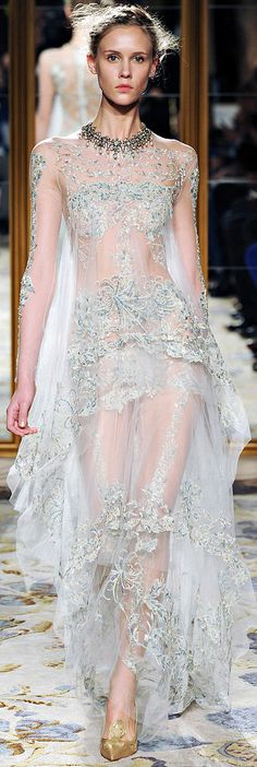 Marchesa Fall 2012 RTW. This fabrication is perfect for ao dai wedding choang.