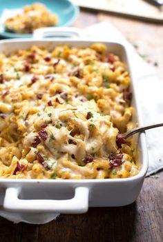 Chicken Bacon Pumpkin Pasta Bake - a simple fall crowd-pleaser! 370 calories. | pinchofyum.com