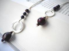 Purple plum 'Respect' beaded bookmark: Respect Is por BuniqueBeads