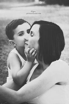 mother & son | © angie marie photography 2013 | www.justbeingangie.com Kash grabs my Face like this when he gives me kisses or he doesn't think I'm listening quite good enough.. Lol