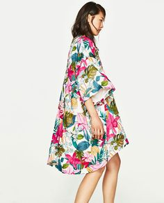If Beyonce has any say in this world then the kimono is having a moment.  Good news for anyone that values comfort over EVERYTHING.  This one fashion trick only takes 5 seconds. Literally. Just take a