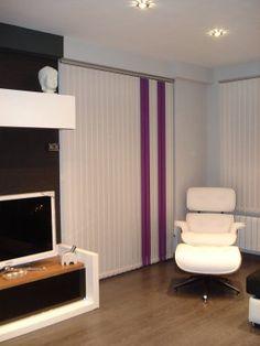 blanca y morada. cortina vertical Home Decoracion, Dental, Blinds, Loft, Bed, House, Furniture, Home, Interiors