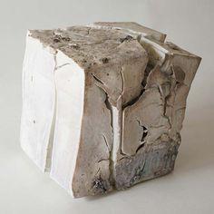Wood-fired white porcelain by TABUCHI Taro at Keiko Art International
