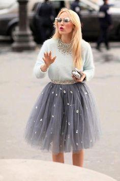 Paris Fashion Week Street Style - tulle skirt and angora sweater Printemps Street Style, Spring Street Style, Fashion Week, Look Fashion, Paris Fashion, Street Fashion, Winter Fashion, Fashion Mag, Holiday Fashion