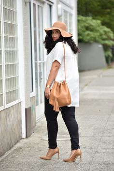 Felt hat, oversize blouse, black skinnies